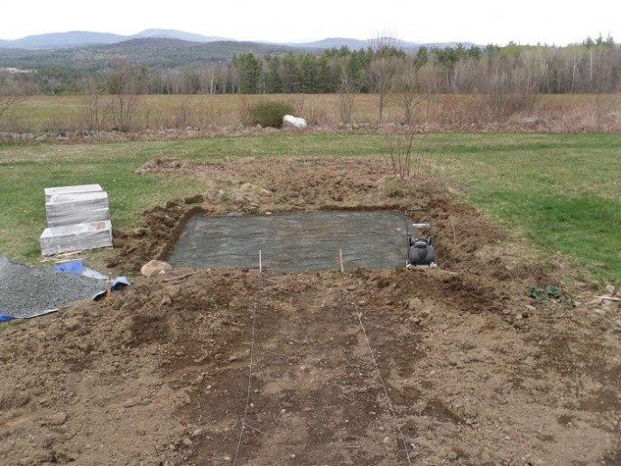 Compacting a patio base
