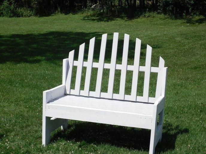 Upcycled Garden Bench – DIY