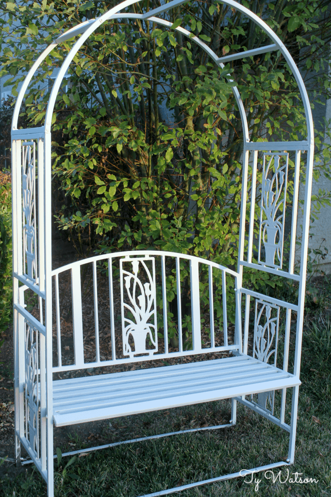 Bench Makeover with Chalk Paint