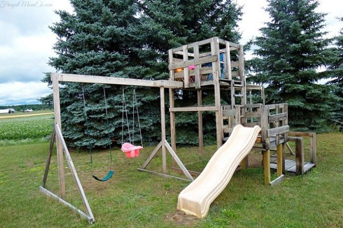 DIY Pallet and Shipping Crate Playground