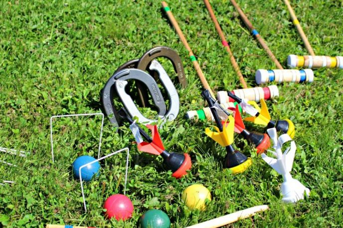 Classic Backyard Games - Croquet, Horseshoes and Lawn Darts