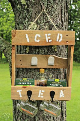 DIY Pallet Iced Tea Station