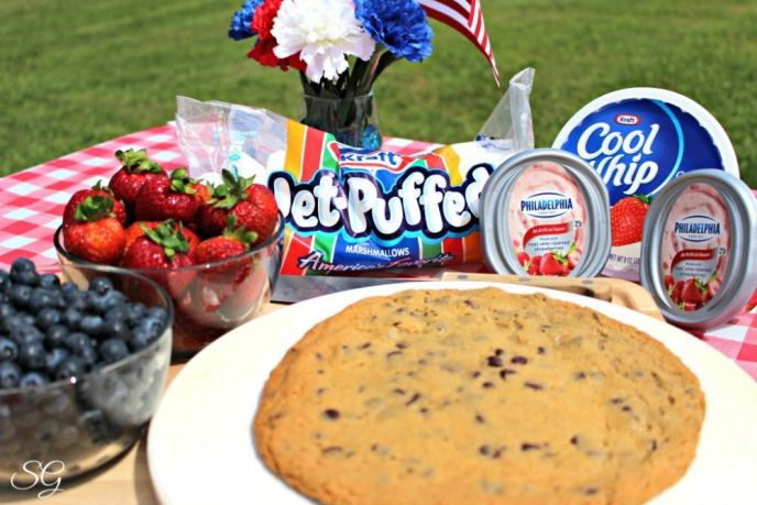 Red, White and Blue Cookie Pizza with Kraft