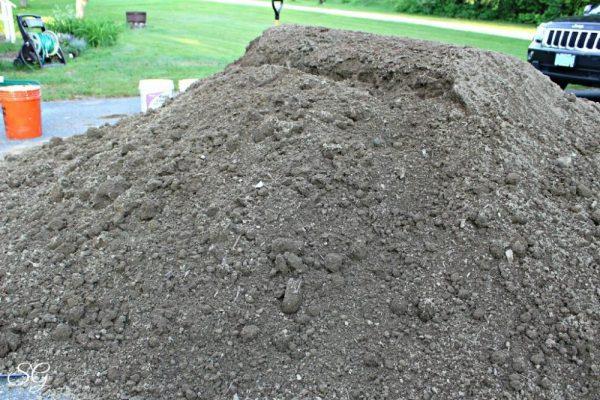 7 Yards of Top Soil