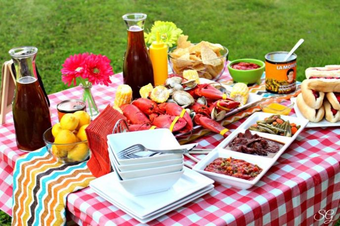 Maine Lobsters, Clams, Corn and Hot Dogs - a New England Cookout
