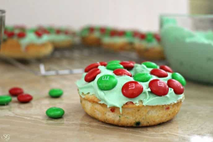 Christmas Wreath Cake Donut Recipe