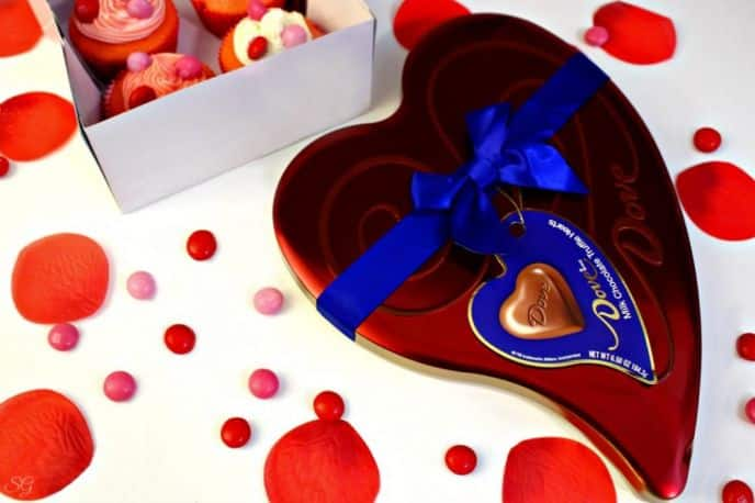 DOVE® Heart Shaped Chocolate Tin