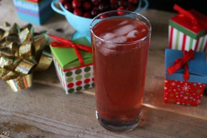Whiskey and Cranberry Holiday Drink Recipe