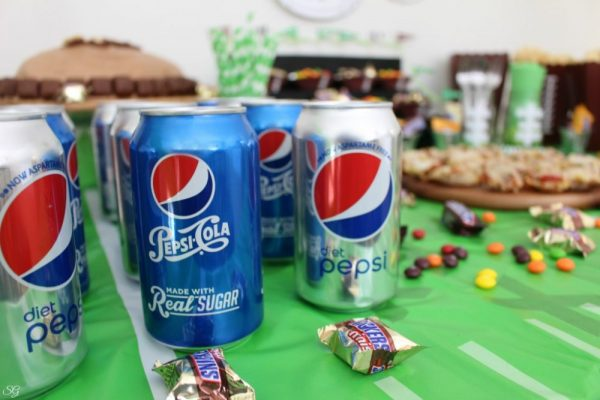 Diet Pepsi and Pepsi Cola Football Party Drinks