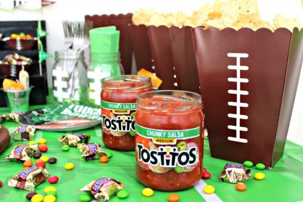 TOSTITOS Scoops Chips and Salsa