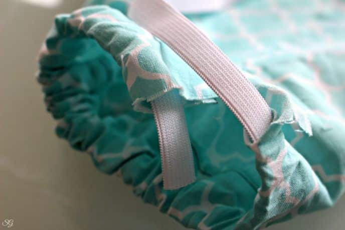 DIY No Sew Plastic Bag Organizing Dispenser