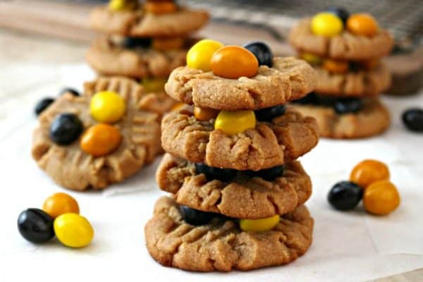 Easy Peanut Butter Cookies with Honey