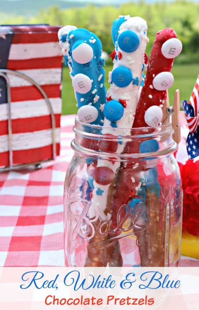 Red, White and Blue Patriotic Pretzel Dessert! These easy patriotic desserts can be whipped up in no time and will give you the combination of chocolate and salty goodness you're craving!