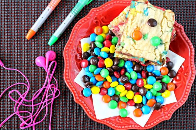 M&M's® Cookie Bars Recipe