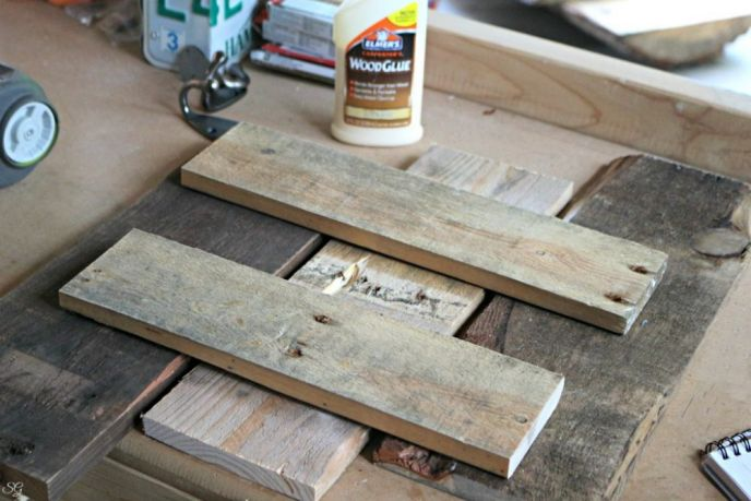 Building A Wood Pallet Coat Rack