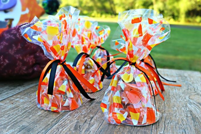 Halloween Graveyard Fudge in Cellophane Baggies