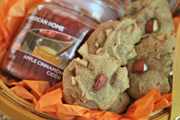 Homemade Apple Cinnamon Cookies
