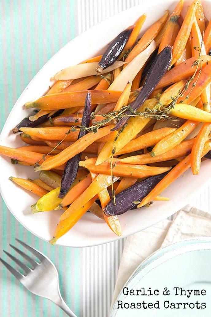 Discover this easy carrot side dish roasted with garlic and thyme. This easy recipe is great for family or holiday dinners. Click to get the simple recipe!