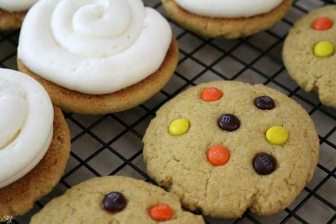 Piped Cream Cheese Frosting for Pumpkin Whoopee Pies
