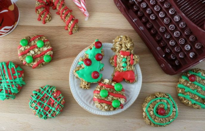 No Bake Christmas Oatmeal Cookies