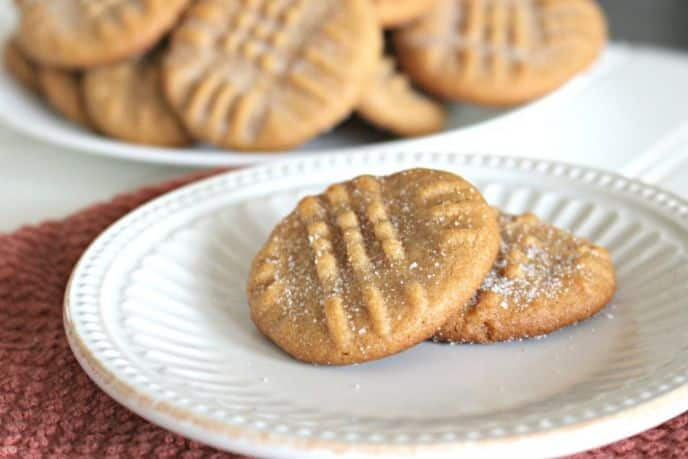 Easy 4 ingredients peanut butter cookie recipe