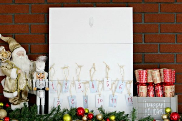 Command Clear Medium Hook for Hanging Wreath Indoors