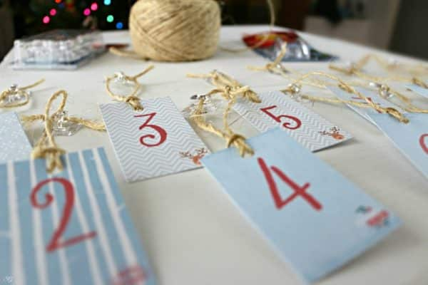 Command Hooks DIY Christmas Decor
