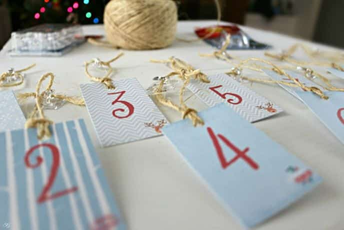 Command Hooks DIY Christmas Decor
