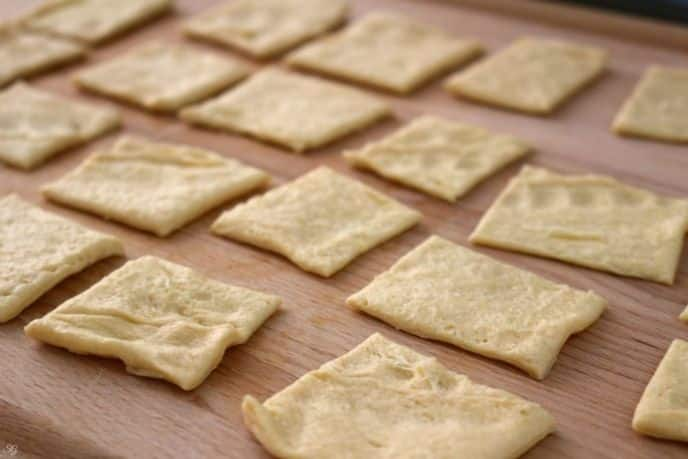 Cutting crescent rolls into squares