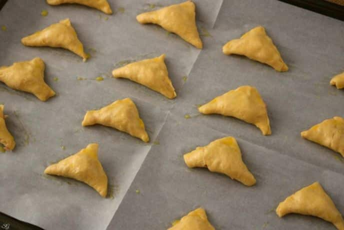 Bake for 8-11 minutes or until crescent rolls are lightly golden brown ...