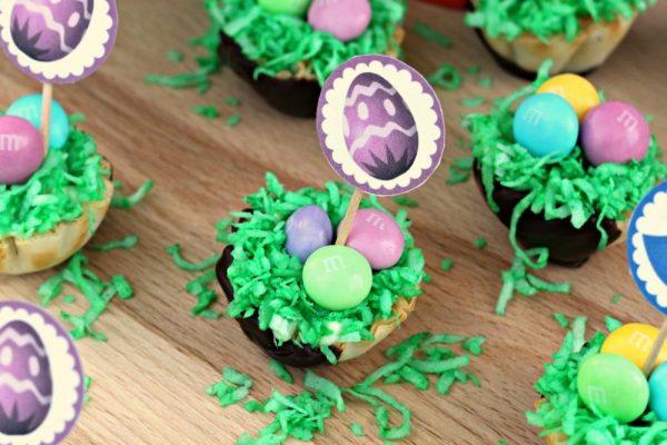 Easy Snack Looks Like Easter Basket