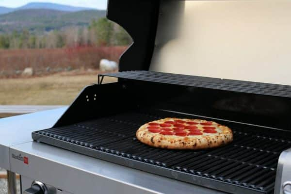 Can You Grill A Frozen Pizza? YES! Follow these simple instructions to grill your frozen pizza and have an easy dinner ready in about 10 minutes!