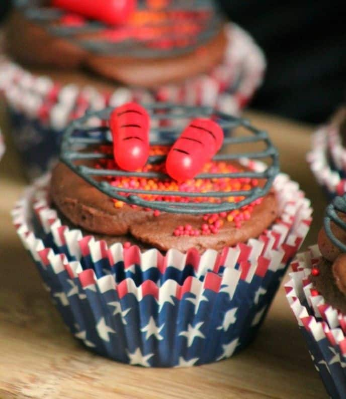 Summer Themed BBQ Grill Cupcakes
