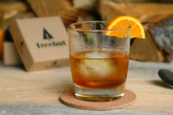 Smoked Old Fashioned Recipe! A delicious whiskey smoked old fashioned