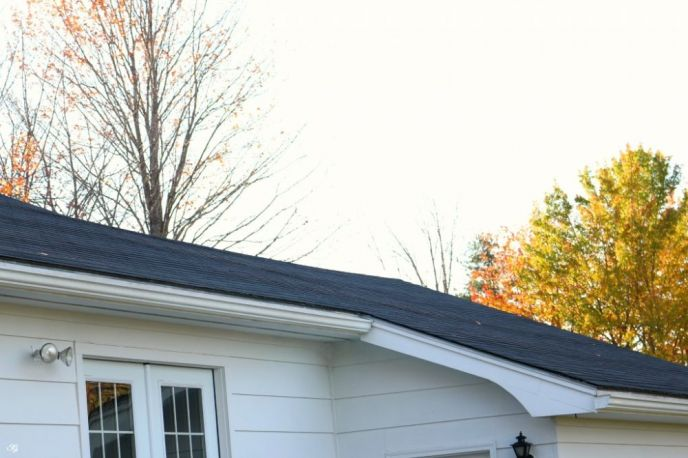 Preparing home for winter checklist, inspect the roof