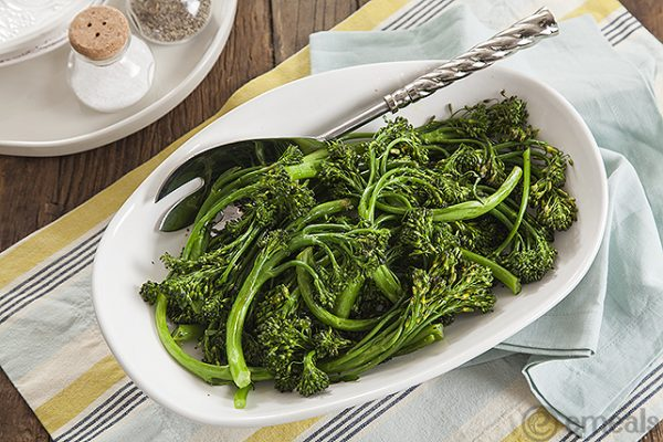 Easy Lemon Garlic Broccolini Side Dish. A side dish for Thanksgiving, Christmas or just Sunday dinner! Easy to make and delicious!