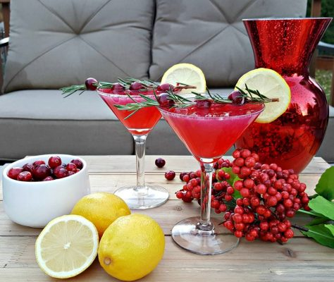 New Year's Eve Cocktail Recipe with Cranberry and Lemon Flavors