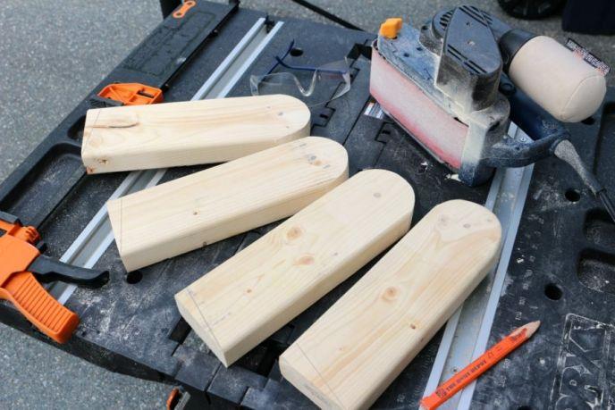 DIY Cornhole Board Legs Radius Cut