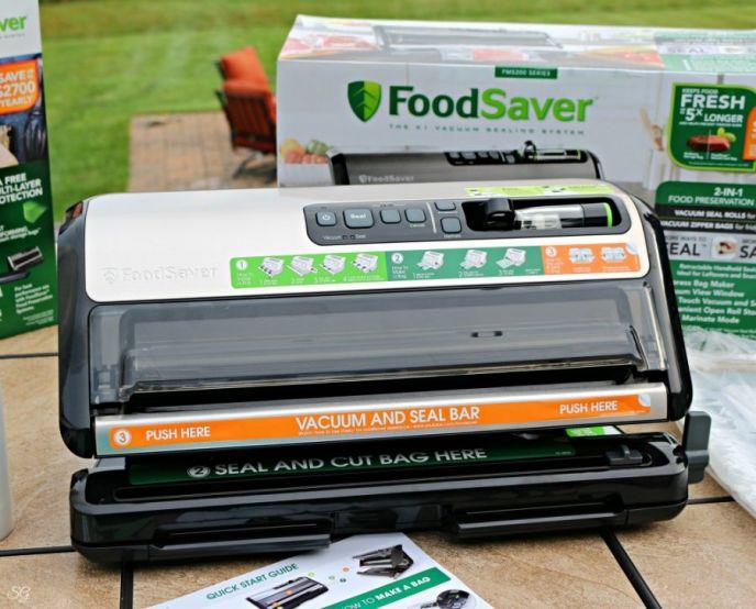 Foodsaver FM5200 vacuum sealer.