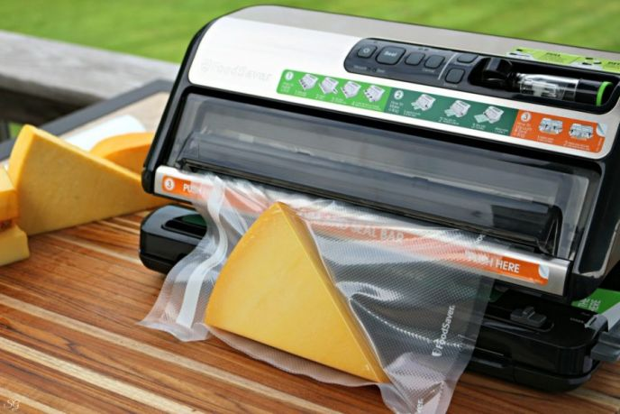 Vacuum sealing smoked cheese with the Foodsaver.
