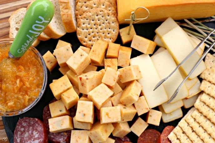 Smoked cheese tutorial! Making smoked cheese and serving on a cheese platter!