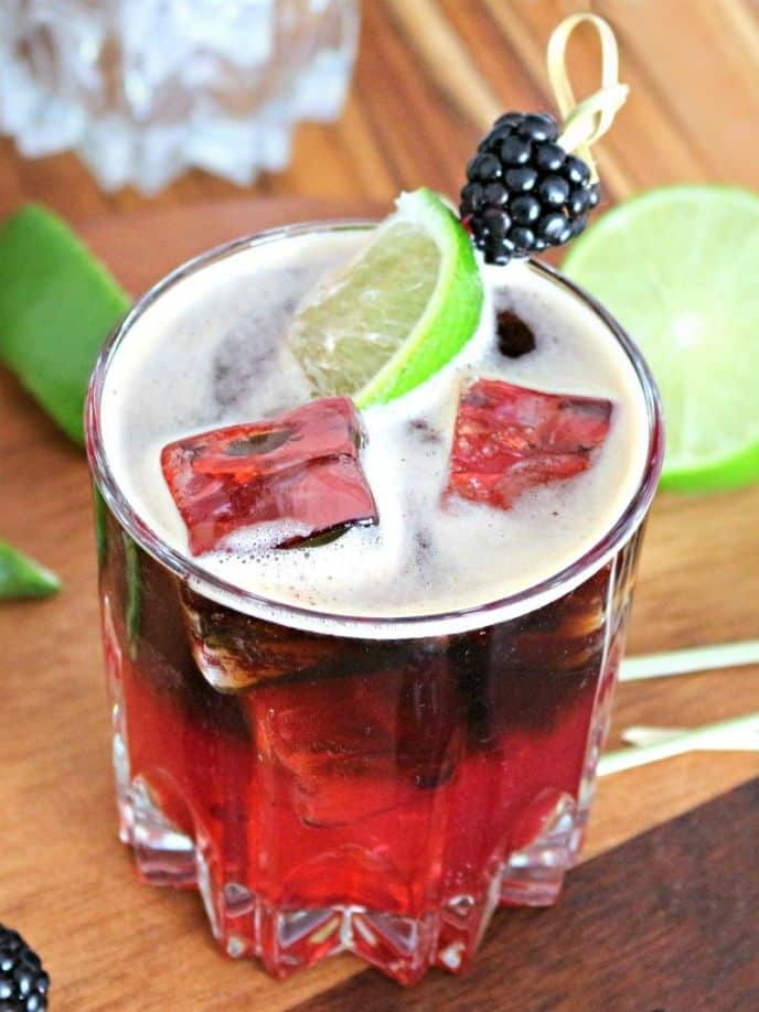Easy blackberry beer cocktail for parties and weekends. #party #cocktail #drink #cocktailrecipes #easyrecipe #easyrecipes #drinkrecipes #recipe #cocktails #delish #yum #easydrinks #drinks #blackberry #beer #lime #mixeddrink #mixeddrinks