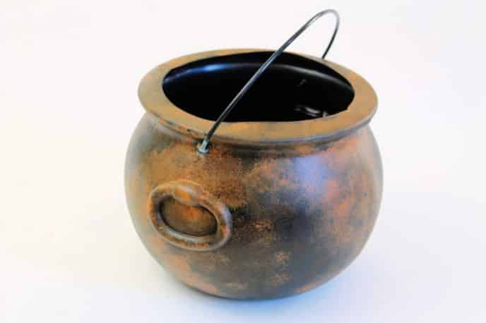 Rusty Halloween DIY Trick or Treat Cauldron