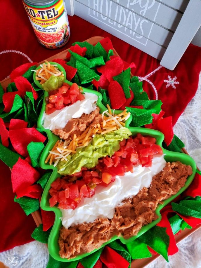 Easy Christmas Party Dip Recipe #gatherwithRotel