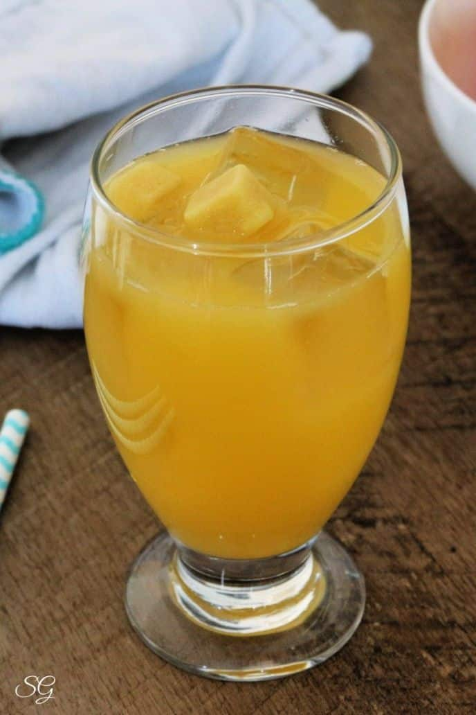 Orange Pineapple Ginger Punch Recipe with Ice