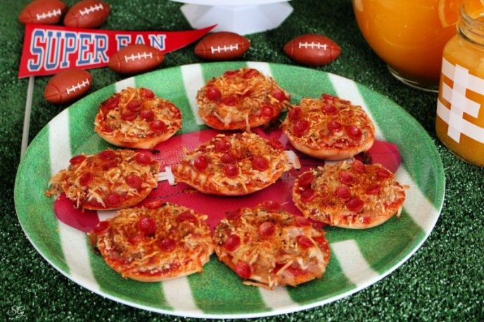 Pizza party ideas for game day